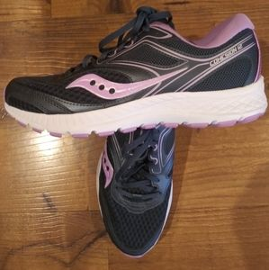 New Saucony Womens Sneaker Size 8.5